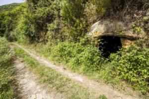 Cueva en la roca